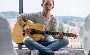 Koncertování pod schody: MILO - Miloš Fiala