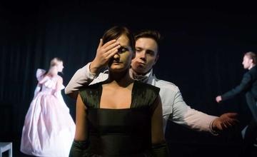 Zájezd do: Divadla na Orlí v Brně na představení ANNA KARENINOVÁ